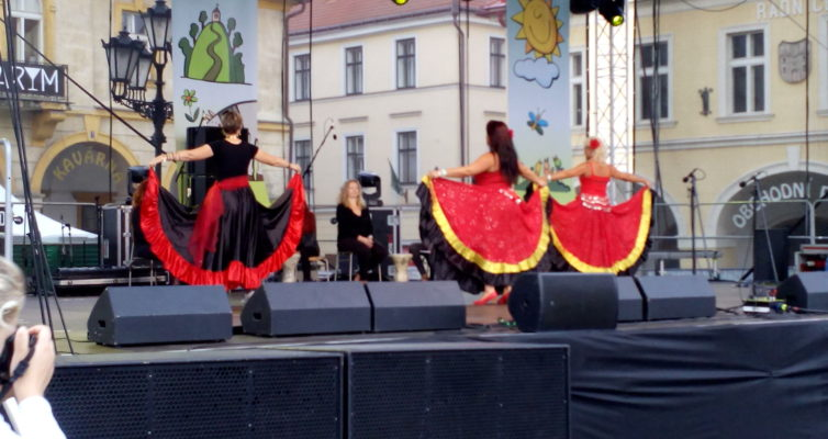 orientální tanečnice, flamenko tanečnice